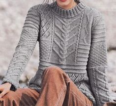Knitwear Fashion, Knit Fashion, Sweater Fashion, Knitting Stitches, Knitting Patterns, Handgestrickte Pullover, Hand Knitted Sweaters, How To Purl Knit, Clothing Patterns