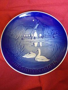 B&G COPENHAGEN Blue Porcelain CHRISTMAS IN THE VILLAGE Landsbyjul 1974 Plate #BingGondahl #Christmas #Vintage #DecorativePlate #Porcelain #Swans #Goose #Geese #1974 #ChristmasPlate #Blue #Landsbyjul #ChristmasInTheVillage #Denmark
