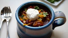 Love Crock-Pot chili? Then you'll want to try this easy (20 minutes of active prep time!), bold and beefy slow-cooker chili recipe.