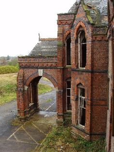 Barnes Hospital, located in Cheadle, Greater Manchester, was built during the Victorian era. Old Abandoned Buildings, Abandoned Property, Abandoned Asylums, Old Buildings, Abandoned Places, Old Hospital, Abandoned Hospital, Beautiful World, Beautiful Places