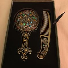 classic bundle of mirror and comb totally new Accessories Hair Accessories