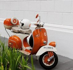 I can really see myself having this Orange Vespa and touring the country roads of France and maybe Italy. Vespa Piaggio, Vespa Bike, Motos Vespa, Lambretta Scooter, Scooter Motorcycle, Vespa Vintage, Vintage Italy, Vintage Travel, Vespa Motor Scooters
