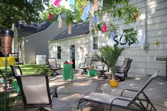 This, too: GILLIGAN'S ISLAND THEME PARTY