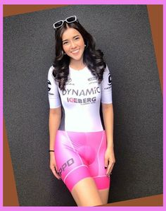We stock a substantial range of cycling jerseys with functions to improve comfort and performance in all conditions. Whether short sleeved, long sleev... Women's Cycling, Cycling Tops, Cycling Girls, Cycling Wear, Cycling Jerseys, Triathlon, Prity Girl, Bike Shirts, Cycle Chic