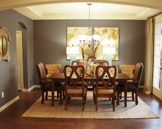 Rug and grey walls for dining room