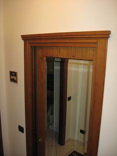Porta scorrevole a vetro in legno Castagno, con capitello