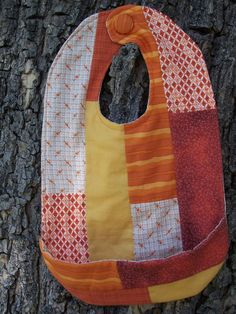 Patchwork Free Bib Pattern - How to make a baby bib DIY!