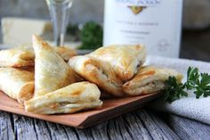 These bite size Mushroom, Herb & Gruyere Cheese Mini Turnovers will disappear from your appetizer table before you know it. They're bursting with flavor! Appetizers Table, Thanksgiving Appetizers, Holiday Appetizers, Thanksgiving 2016, Holiday Meals, Holiday Parties, Best Appetizer Recipes, Best Appetizers, Stuffed Mushrooms