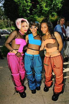 TLC matching outfits, 90s fashion moment