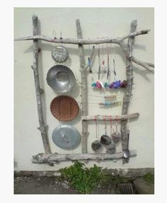 An outdoor sound wall is very amusing and entertaining. These collection of outdoor music wall ideas will embellish your child-friendly backyard ! Natural Playground, Outdoor Playground, Playground Ideas, Outdoor Play Spaces, Outdoor Fun, Eyfs Outdoor Area Ideas, Outdoor Activities, Sound Wall, Sensory Garden