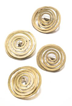 I lover Calder jewelry. Alexander Calder, Untitled (set of four buttons), brass wire, circa 1930 Brass Jewelry, Modern Jewelry, Jewelry Art, Vintage Jewelry, Jewelry Design, Jewelry Ideas, Alexander Calder, Great Gifts For Mom, Jewelry Making