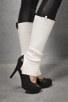 The Shanks Legwarmers are a stylish product that fit perfectly with Shanks High Heels. This eye-catching accessory can of course be worn with any other shoes or boots. Shank, High Heels, Cap, Stylish, Boots, Fitness, Accessories, Collection, Baseball Hat
