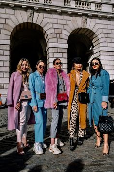 35 Ideas For Fashion Week Street Style Outfits Coats Fashion Blogger Style, Look Fashion, Fashion Outfits, Fashion Tips, Fashion Bloggers, Winter Fashion, Crazy Fashion, Feminine Fashion, French Fashion