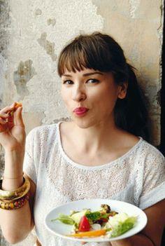 Famous for her cooking show 'My Little Paris Kitchen' and her books 'My Little Paris Kitchen' and 'Chez Rachel' Chef Rachel Khoo, Paris Kitchen, My Little Paris, Tv Chefs, Nigella Lawson, French Food, Food Network Recipes, Food Photography, Cooking