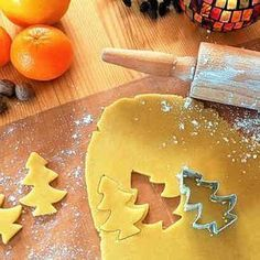 Create a new family tradition by creating these Rudolph Christmas cookies, as a family project. Allow the kids to decorate, and enjoy your cookies with fun. Best Sugar Cookie Recipe, Best Sugar Cookies, Dog Food Recipes, Cookie Recipes, Jerky Recipes, Hamburger Recipes, Family Recipes, Peanut Butter Biscuits, Dinosaur Cookies