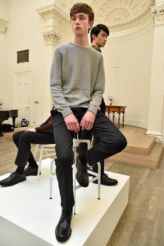 Como parte de una simpleza impoluta, John Smedley presenta su colección Fall/Winter 2016 en la London Collections: MEN