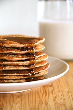 With under 300 calories and 20g of protein for the ENTIRE recipe, these Banana Oat Greek Yogurt Pancakes are a great way to start your day!
