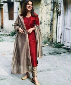 Womens Style Discover Shop Maroon Cotton Silk Suit Set - Set of Three Maroon cotton silk kurta comes with fawn pants and a chanderi dupatta with block prints and gota detailing on the edges. Salwar Designs, Silk Kurti Designs, Kurta Designs Women, Kurti Designs Party Wear, Salwar Suit Neck Designs, Stylish Dress Designs, Designs For Dresses, Dress Indian Style, Indian Fashion Dresses