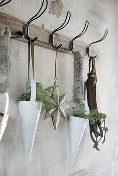 <3ing the hooks... def need to look for something similar for my utility room coat rack I'm going to make...