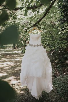Lorissa Lee Photography Grand Entrance, Walking Down The Aisle, Country Club Wedding, Wedding Story, First Dance, How To Run Longer, Absolutely Stunning, Bride Groom, Summer Wedding