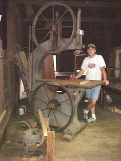 """antique bandsaw - 40""""  Nice.. from toolmonger.com"""