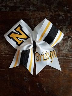 Custom Tick Tock Striped Cheer Bow with 2 Names. Great for Team Bows, Competition Bows, Sideline Bows, Dance bow, softball bow. by AminaCrafts on Etsy Softball Crafts, Softball Bows, Softball Cheers, Softball Pitching, Softball Shirts, Fastpitch Softball, Cheerleading Stunting, Cheerleading Photos, Cheer Shirts