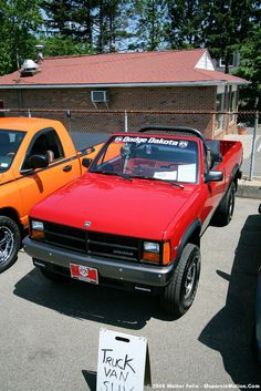 1989 Dodge Dakota Sport Convertible. Yeah the truck convertible thing never took off but Dodge tried it.