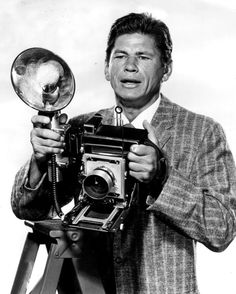 """CHARLES BRONSON (from the tv series """"Man with a Camera"""") I used to watch this show. I was a Charlie Bronson fan by the time I was Old Cameras, Vintage Cameras, Actor Charles Bronson, Toms, Katharine Hepburn, Marilyn Monroe Photos, Star Wars, Portraits, Old Tv"""