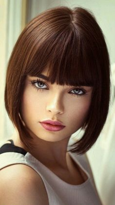 How are you Mark Shavick darling? Most Beautiful Faces, Beautiful Girl Image, Gorgeous Eyes, Stunningly Beautiful, Baby Cut Hairstyle, Brunette Beauty, Hair Beauty, Actrices Sexy, Haircuts With Bangs
