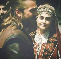 Turkish Women Beautiful, Turkish Beauty, Beautiful Series, Beautiful Smile, Cute Muslim Couples, Cute Couples, Turkish Wedding, Arabian Women, Netflix