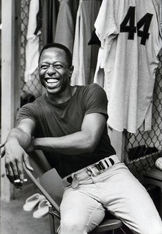 Hank Aaron (Born During his Hall of Fame major league career he played for the Braves and the Brewers. Baseball Star, Braves Baseball, Baseball Players, Baseball Pics, Baseball Records, Mlb Players, Softball, Hank Aaron, Sports Figures