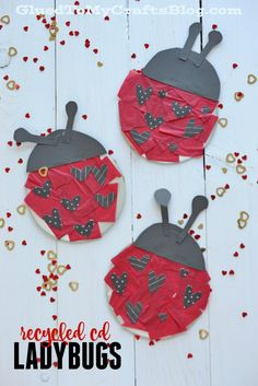 Recycled CD Ladybugs - Kid Craft - - Recycled CD Ladybugs - Not only is this red and black themed kid craft a great way to recycle but it's also really fun and great for children of ALL ages! Frog Crafts, Ladybug Crafts, Glue Crafts, Spring Activities, Craft Activities For Kids, Preschool Crafts, Craft Kids, Kids C, Art For Kids