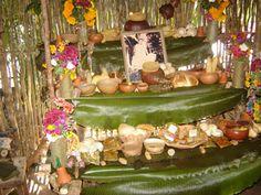 """Por: Victor Román El """"Hanal pixán"""", o comida de las ánimas, es una tradición del pueblo maya que se lleva al cabo para recordar de una manera especial a los amigos y parientes que se adelantaron en el viaje eterno. Es un acontecimiento especial para los deudos de los difuntos, pues saben que, en estos …"""