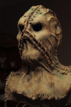 Grim Stitch Factory's unique scarecrow masks are literally wearable art; Clever Halloween Costumes, Halloween Horror, Halloween Masks, Halloween Fun, Creepy Masks, Creepy Art, Arte Horror, Horror Art, Dark Fantasy Art