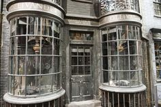 Windows at Warner Bros Studio Tour London – The Making of Harry Potter Making Of Harry Potter, Harry Potter Wand, Harry Potter Books, Harry Potter Places, Harry Potter London, Warner Brothers Studio Tour, Warner Bros Studios, San Antonio, Harry Potter Studios