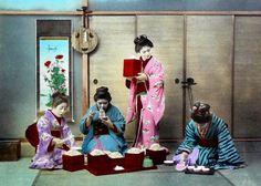 西洋人が魅せられた、カラー化された幕末〜明治初期の写真が美しい(画像) Japanese Photography, Old Photography, Cherry Blossom Girl, Japan Shop, Japan Japan, Traditional Japanese Kimono, Japan Landscape, Samurai, Japanese Artwork