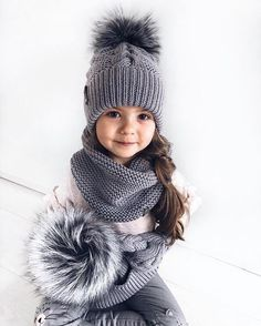 Baby Knitting Patterns Mittens Buy the yarn specified in the model description …Knitting Scarf Hat Models, - Diy And Craft Knitting Blogs, Knitting For Kids, Baby Knitting Patterns, Knitting Designs, Baby Girl Hats, Girl With Hat, Crochet Baby, Knit Crochet, Knitted Baby Outfits