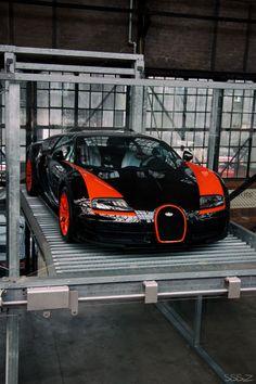Bugatti Veyron 16.4 Grand Sport Vitesse                              …