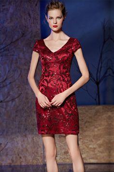 Chic petite robe rouge moulante décolleté V en dentelle pour cocktail  mariage 8552d8b0ba28