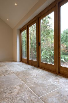 Order a free sample of Bordeaux Aged Chateau French Limestone Tiles. Stone Kitchen Floor, Kitchen Flooring, Cottage Living Rooms, Cottage Interiors, Limestone Flooring, Travertine Floors, French Cottage, Bordeaux, Home Fashion