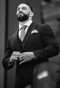 Roman Reigns Logo, Roman Reigns Family, Wwe Roman Reigns, Roman Reigns Shirtless, Roman Regins, Wwe Superstar Roman Reigns, Shawn Michaels, Smart Outfit, Wrestling Wwe