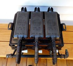 Very Rare Old Griswold Cast Iron #13 Hotel Waffle Iron and Stove
