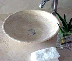 Lavabo tondo da appoggio in travertino decorato #lavabo #lavandino ...