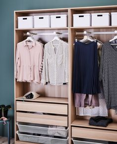 A wardrobe is organized with drawers, hangers and paper boxes on the top shelf. Dressing Room Closet, Closet Bedroom, Wardrobe Organisation, Home Organization, Large Woven Basket, Rooms Ideas, Hall Wardrobe, Tiny Closet, Front Closet
