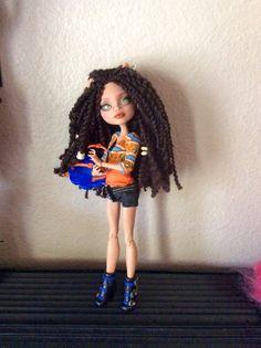 Monster Doll High Repaint Howleen. ON HOLD