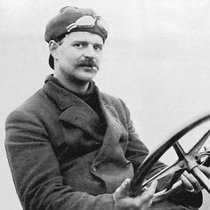 Louis Chevrolet. Looks rather more rakish than the eponymous motor cars that his company created.