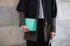 Street Looks à la Fashion Week automne-hiver 2013-2014 de Milan, Jour4 Fashion Week, Fashion Photo, Winter Fashion, Street Looks, Street Style, Magic Bag, Milan, Chanel Boy Bag, Shoulder Bag