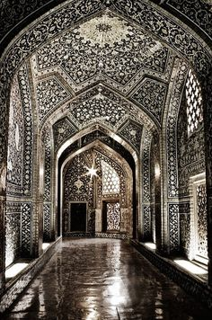 Sheikh Lutfollah Mosque - Isfahan, IRAN I've always loved the beauty of a mosque, it seems like every street corner has a piece of art on it