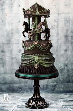 Gothic carousel  - Cake by Bellaria Cakes Design (Riany Clement)