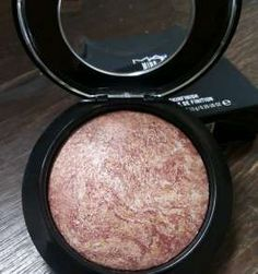 Mac - Iluminador Mineralize Skinfinish cor Confort